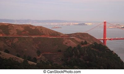 Golden Gate Bridge San Francisco - Golden Gate Bridge over...