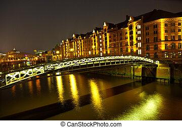 Speicherstadt in Hamburg by night