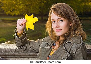 Fall fashion. - Portrait of sunny fall dashion woman in...