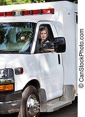 mujer, ambulancia, conductor