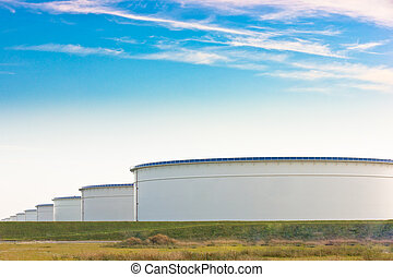 An oil terminal to store crude oil and petrol - An oil...