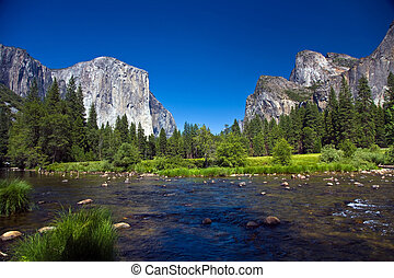 view to western rocket plateau of yosemite national park...