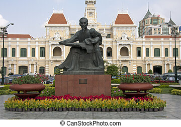 Statue of Ho Chi Minh and Peoples Committee Building, Saigon