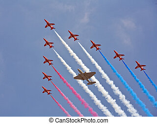 Planes flying in formation - Planes in precious formation...