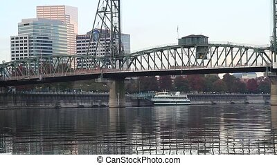 Hawthorne Bridge Downtown Portland - Hawthorne Bridge and...