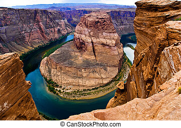 horseshoe bend in page, Arizona - famous horseshoe bend in...