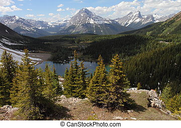 Alpine Lake - Chester Lake and Mount Sir Douglas in the...