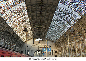 Railway station inside - Kiev Kievskaya railway station in...