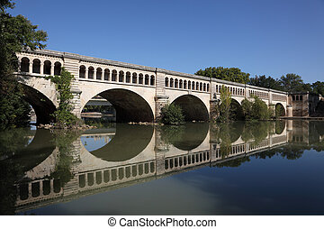 Canal du Midi crossing the River Orb in Beziers, France