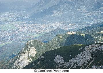 Garmisch Partenkirchen Vista - Landscape in the German Alps...