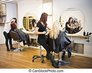 Hair salon situation - Situation in a Hair salon