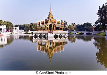Bang Pa-In Aisawan Thipya-Art Divine Seat of Personal...