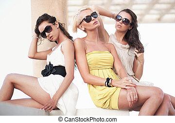 três, amigos, Desgastar, óculos de sol
