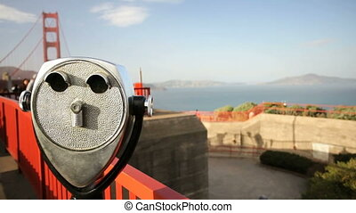Golden Gate Bridge and view finder - Tourist, Binoculars and...