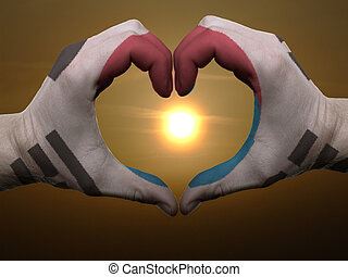 Coração, feito, Amor, colorido, Símbolo, bandeira, Coréia, gesto, mãos, durante, SUL, mostrando, amanhecer