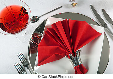 Festive table in red and white 1