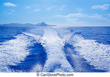 Es Vedra and Vedranell islands boat wake - Es Vedra islet...