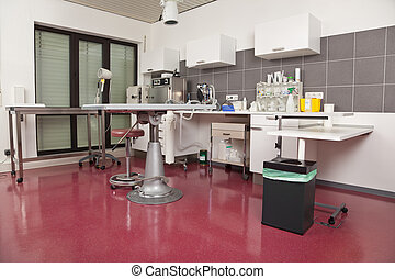 operating room - An operating room at a veterinarian...
