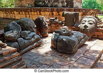 broken image buddha