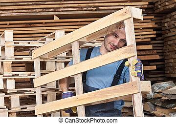 homem, em movimento, madeira, Pallets