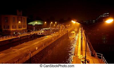 Water levels at night vltava river, Prague, czech republic -...