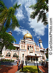 Masjid sultan Singapore - Singapore Mosque with blue sky and...