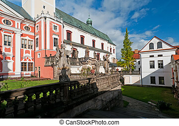 Well-maintained Monastery - Well-maintained monastery in...