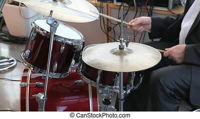 drummer plaing jazz