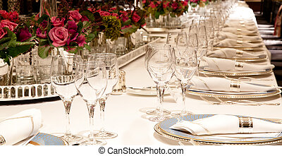 Elegant table setting - Elegant candlelight dinner table...
