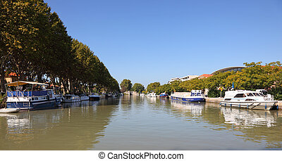 Canal du Midi in Beziers, southern France