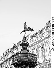 Piccadilly Circus, London - Piccadilly Circus with statue of...