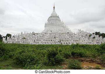White stupa in Mingun