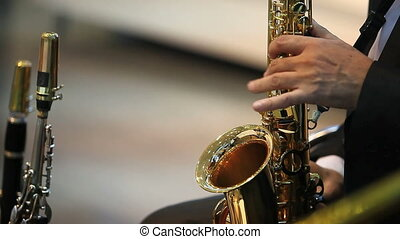 musician plaing on the saxophone