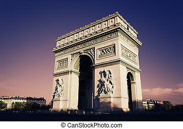 Arc de Triomphe - Paris, Arc de Triomphe in the evening