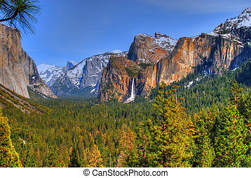 Yosemite National Park - Bridal Veil Falls in Yosemite...