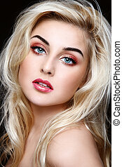 Blond beauty - Portrait pf young beautiful girl with curly...
