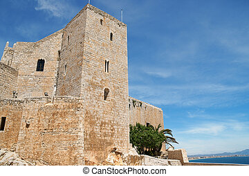 Pope Luna's Castle in Peniscola, Spain - View of Pope Luna's...