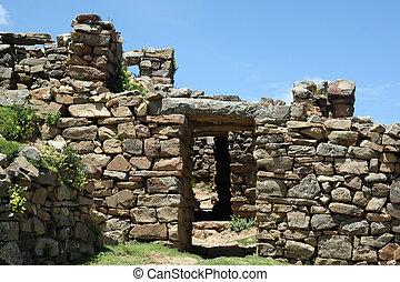 Inca ruins - Stone inca ruins on the island Isla del Sol,...