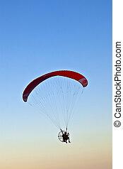 Paraglider, voando, sobre, praia, paramotor
