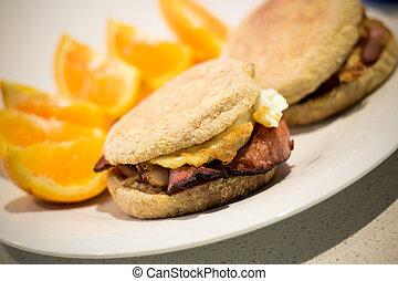 Bacon & Egg Muffin
