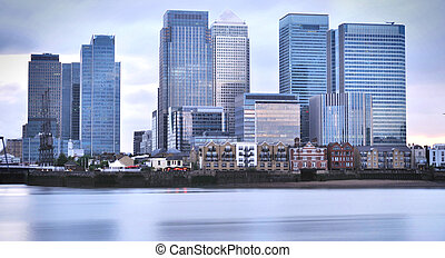 Canary Wharf buildings overlooking the river thames