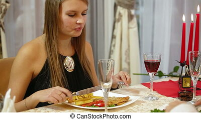 romantic dinner date