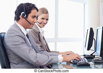Happy operators using a computer