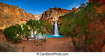 Havasu Falls - Spring brake in peacefull Havasu Indian...