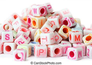 perline, cubo, molti, lettere, poco, isolato, bianco