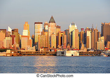 New York City Manhattan at sunset over Hudson River - New...