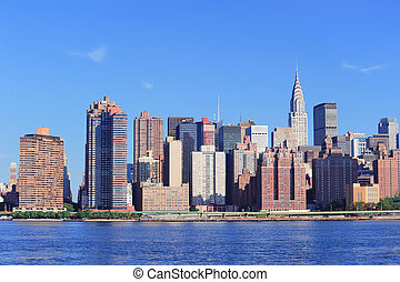 New York City skyline - Manhattan midtown skyline panorama...