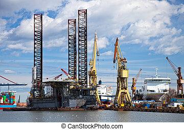 Repair of oil rig - Repair of platform in shipyard Gdansk,...