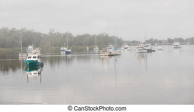 Fitzroy River, Rockhampton in fog - Boats on the Fitzroy...
