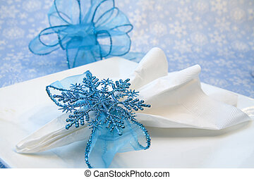 Dinner Holiday Decoration - Pretty glitzy blue snowflake...